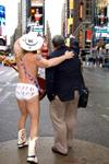 Naked_cowboy_back
